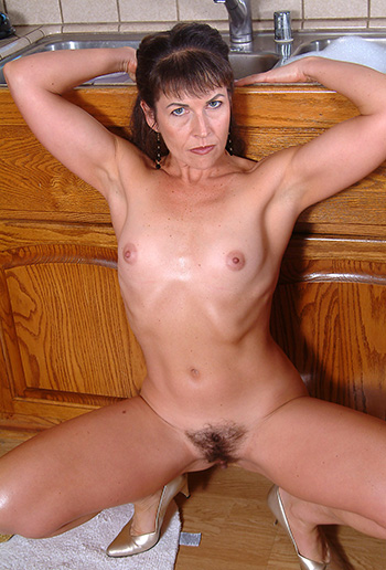 Mature hairy pussy pics