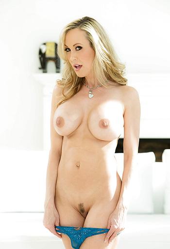 Blonde MILF pornstar Brandi Love